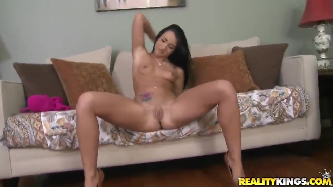 Horny undressing show with a gorgeous bitch with natural boobies