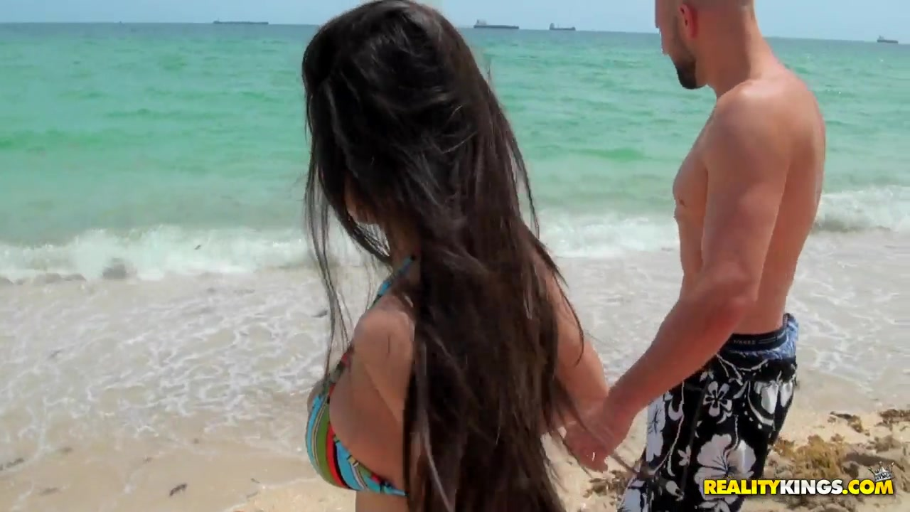 Jmac fell in love in gorgeous Latina with big natural boobs and sexy tattooed backside Spencer dating show