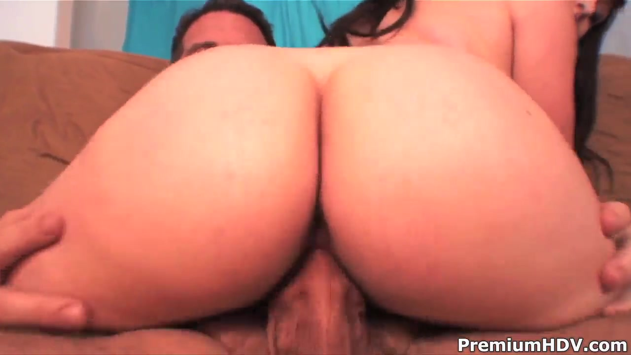 Brunette Presley Staxxx fucked like never before Moving blow job while naked