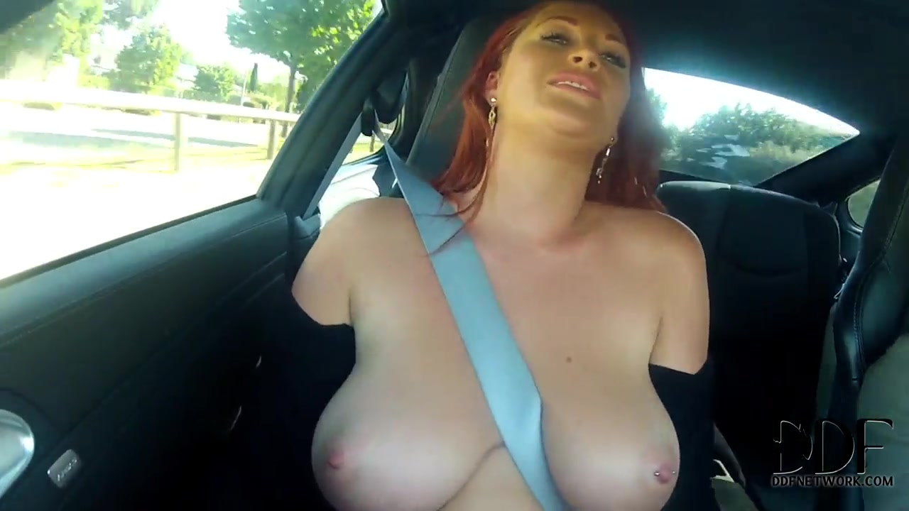 Paige aka Ruby Rubber is posing at the car Hot girls want se in Antwerpen