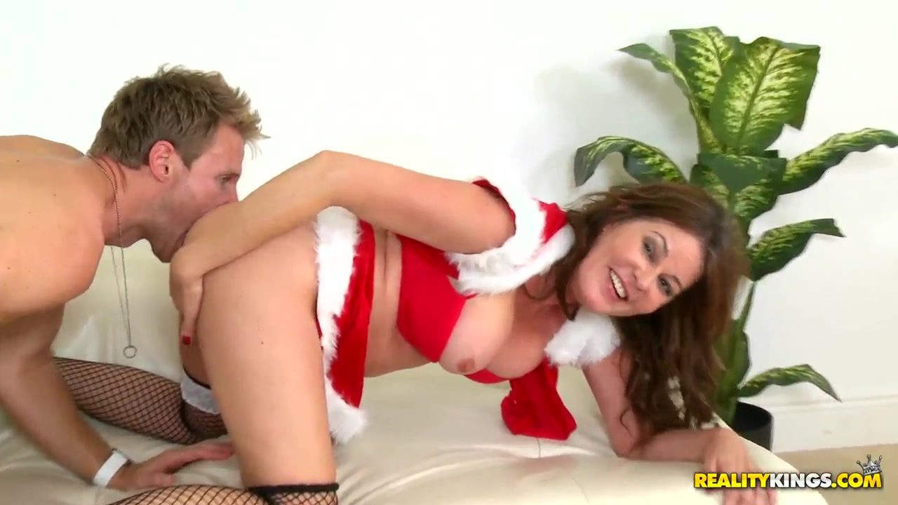 Horny model prepared a real sex holiday for her friend black lesbians fucking hardcore