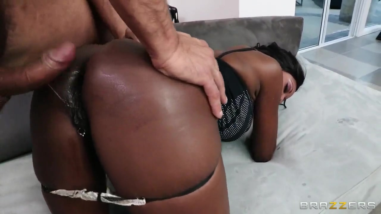 Diamond Jackson leaves nothing out of Toni Ribas tool Fuck sluts in Remscheid