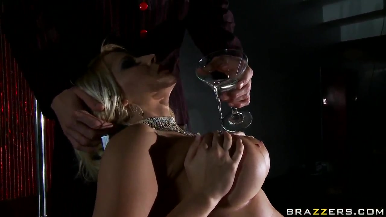 Gorgeous Blonde Madison Ivy Shows Off Her Perfect Body For Him halle barry naked pics