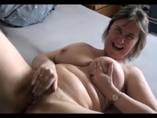 Busty Mature Masturbating Want to fuck tonight in Norway