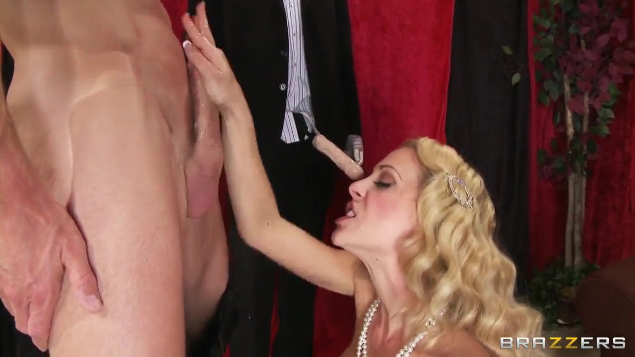 Gorgeous milf Cherie Deville is rolled by Johnny Sins paris medieval free porn medieval films stream videos