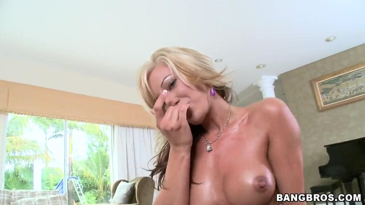 Val Malone masturbates before sucking cock Kate hudson implants