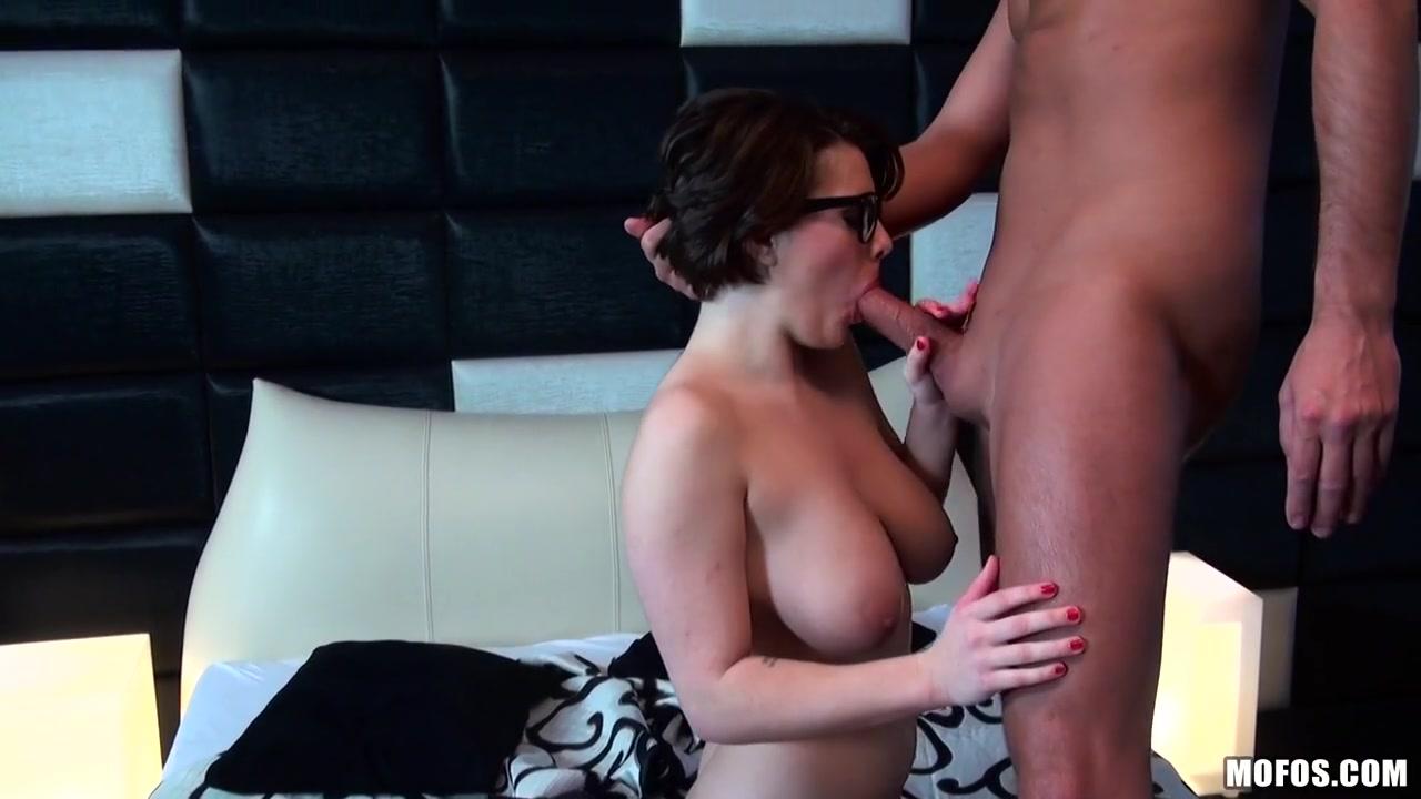 Amy Wild - Glazing Her Glasses Big white naturals boobs sex