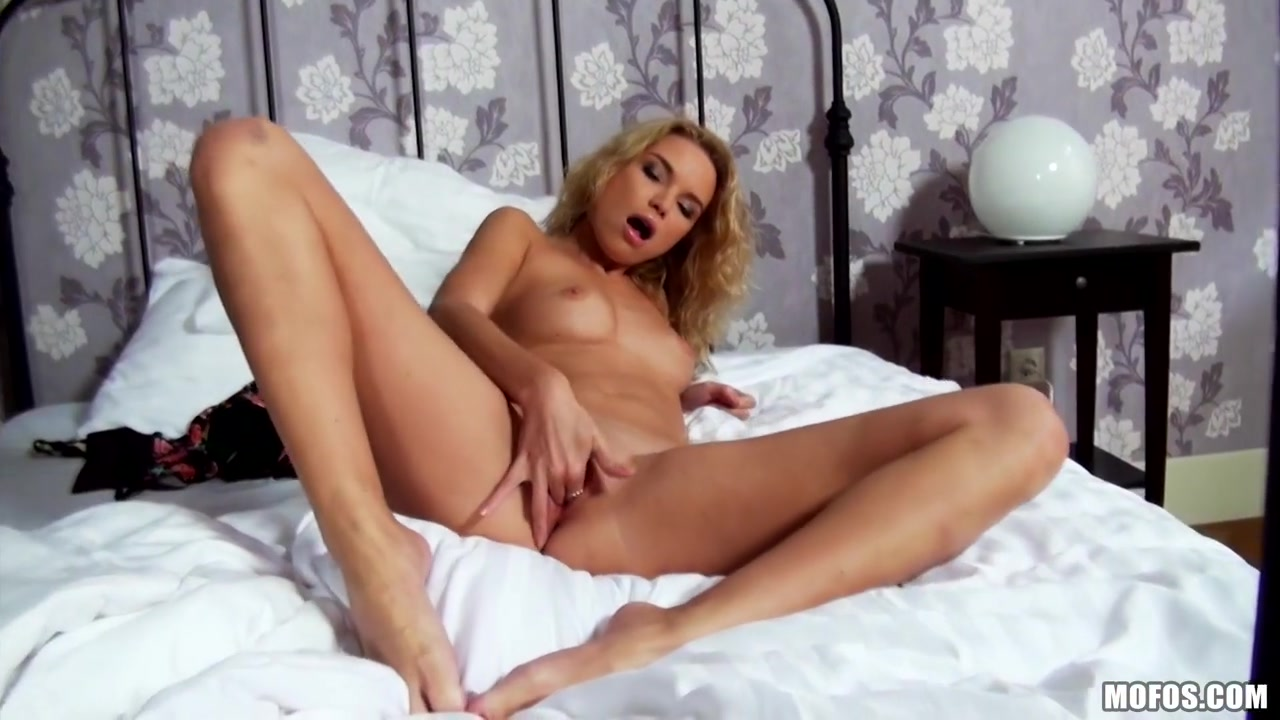 Summer Breeze - Blondes DO Have All the Fun God she can suck milf