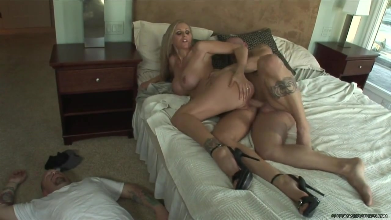 Julia Ann gets her mouth filled with warm cock juice