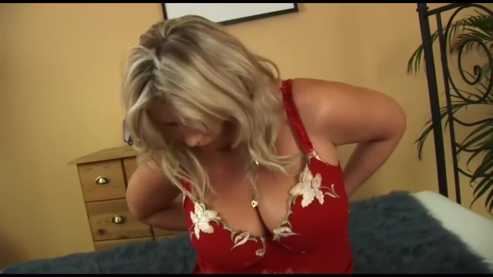 Busty Curvy Milf With Blonde Bush by KR best age of girls for guys at age 27