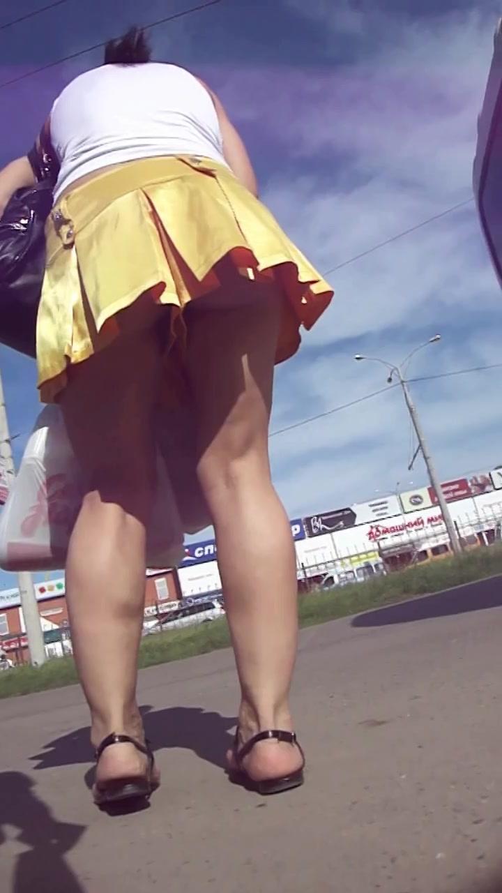 Upskirt shot of the most entrancing butt outdoors meet older adults online