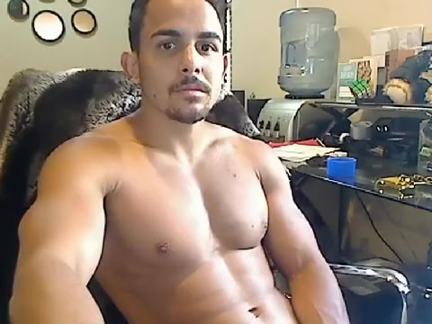 Juicy male is beating off in the apartment and shooting himself on web cam Scuba tank