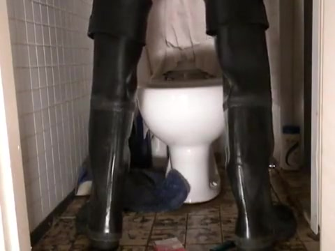 nlboots - throne room - urinate - waders - maillot Naked girl in shower images