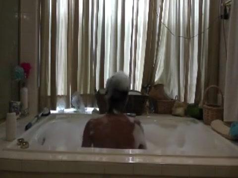Jerkin In The Bathtub Selena gomez nude leak