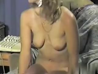 Showing my snatch trying to receive u men to make me a vid of u cuming on me me best females in