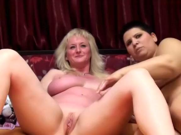 Homes lesbos fuck orgasm