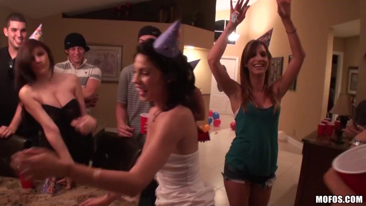 Ashli Ames, Dynasty, Lexxi Silver - Cheerful Fucking Birthday! emo girl fucks jock