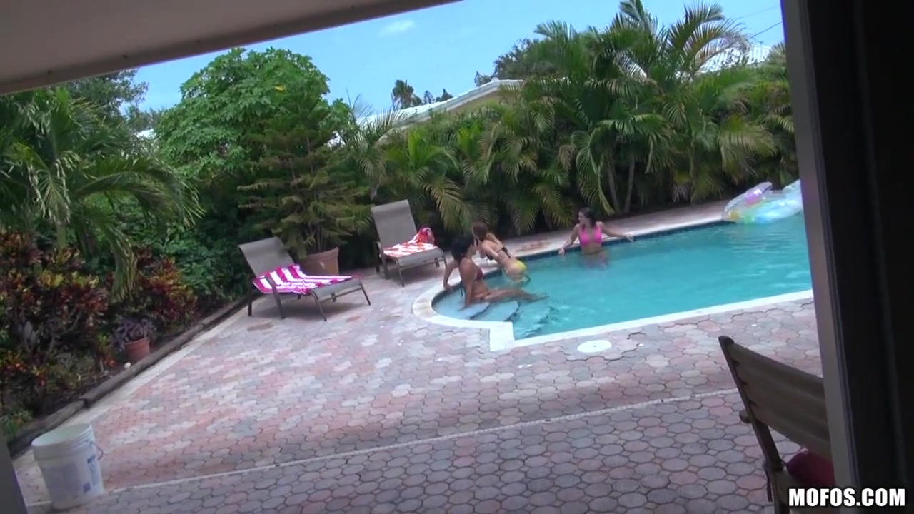 Shawna Hill - My Neighbours Pool nude volley ball girls sexy
