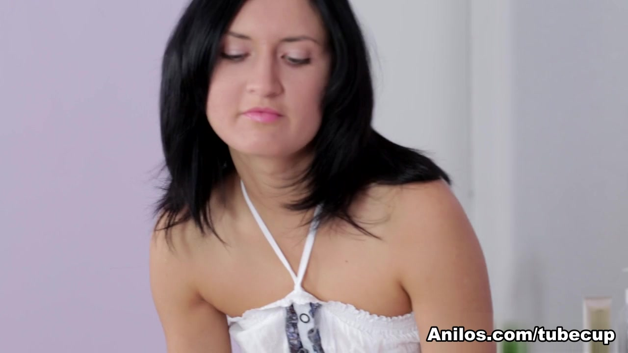 Sandy Rae in Pussy Massage Scene free voyeur upskirt movie