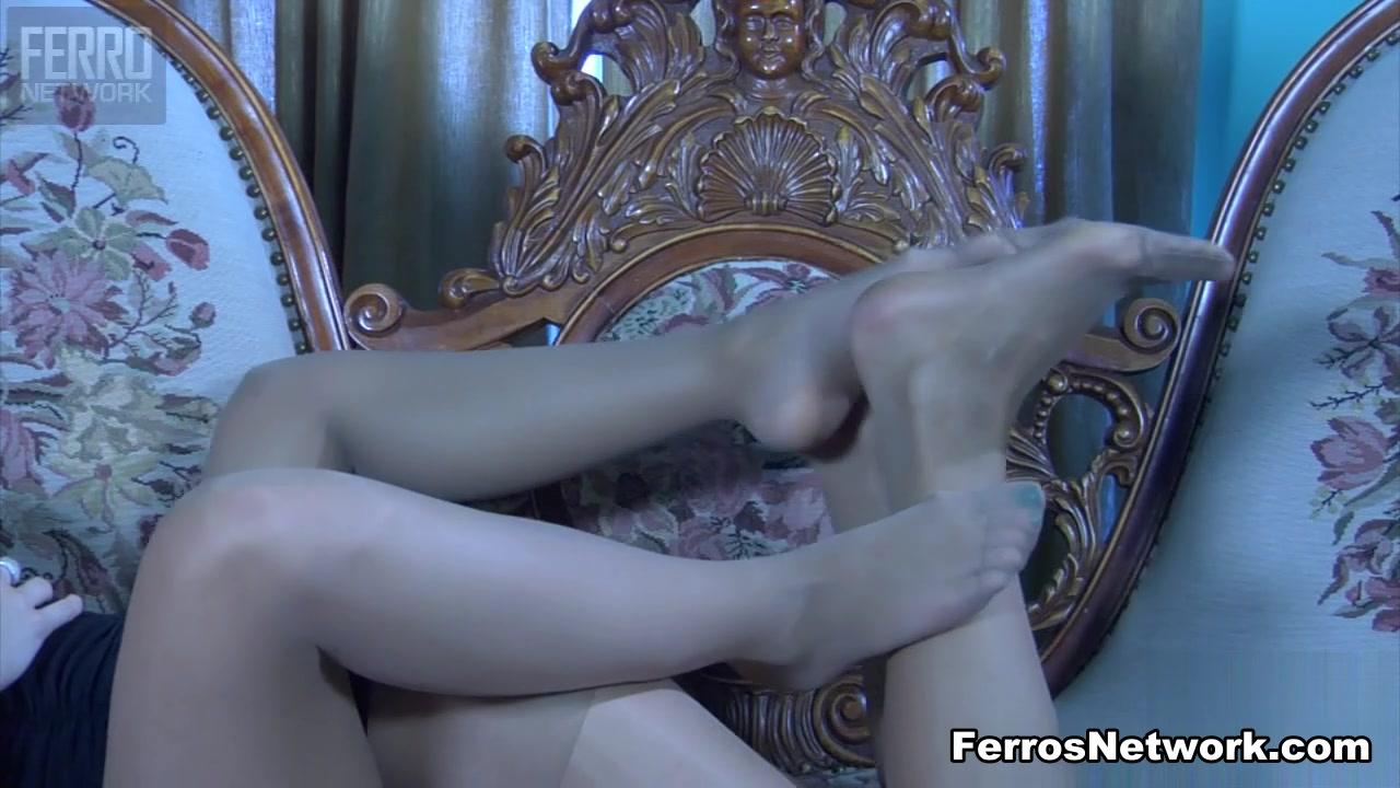 Bisexual Lesbie porn masturbates