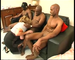 Incredible Blonde, clip porno Fellation How to make friends when you have no friends