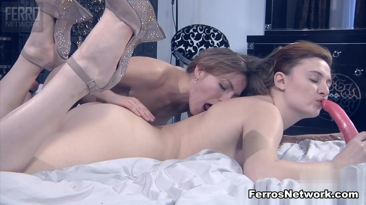Fuckd masturbation lesbea Double