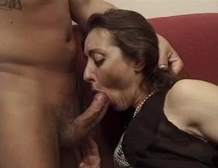 Bushy Italian mother Id like to fuck - Anal Dating quest xt xing zelda