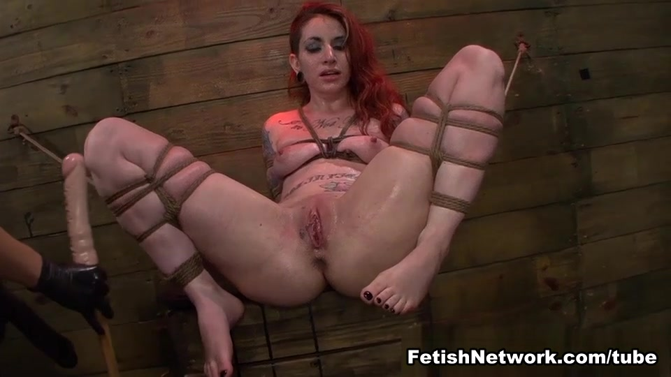 Dick girl on does splits