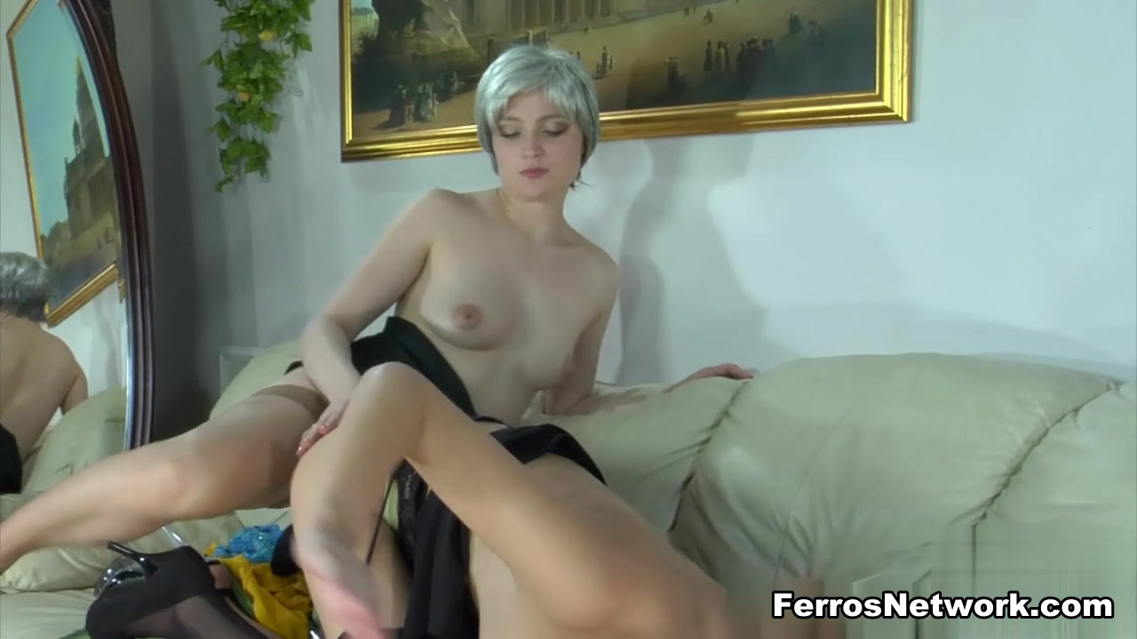 Clit porn Lesbin sexx