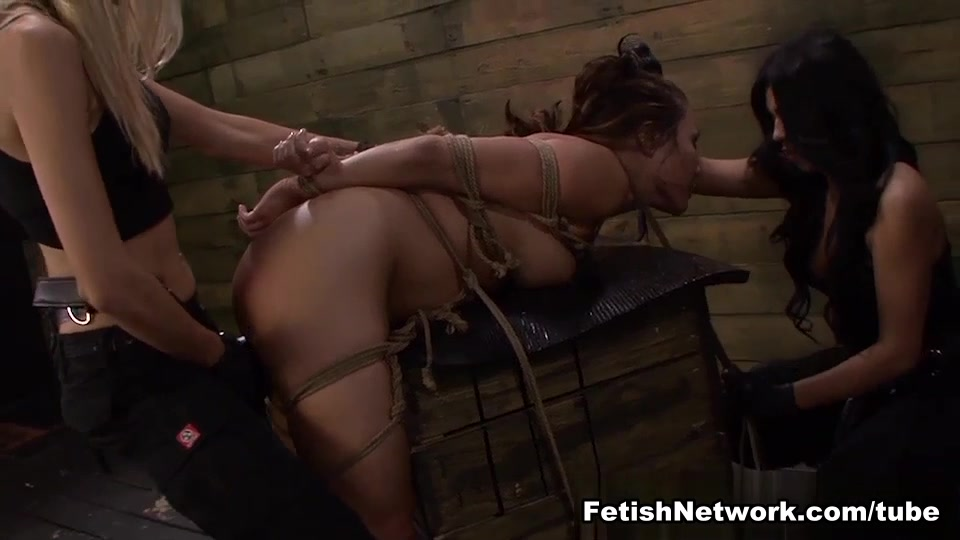 Porn blowjob while watching