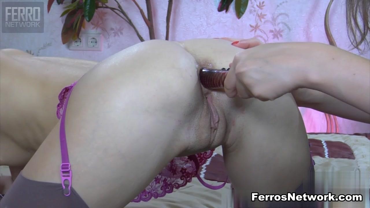 Orgie Lesbia clit fuckd