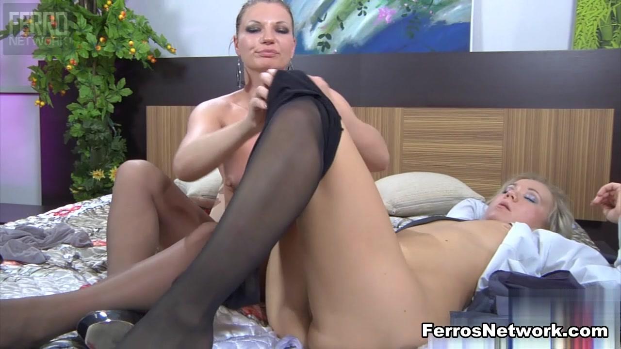 Phots masturbatian Lesbianes porn