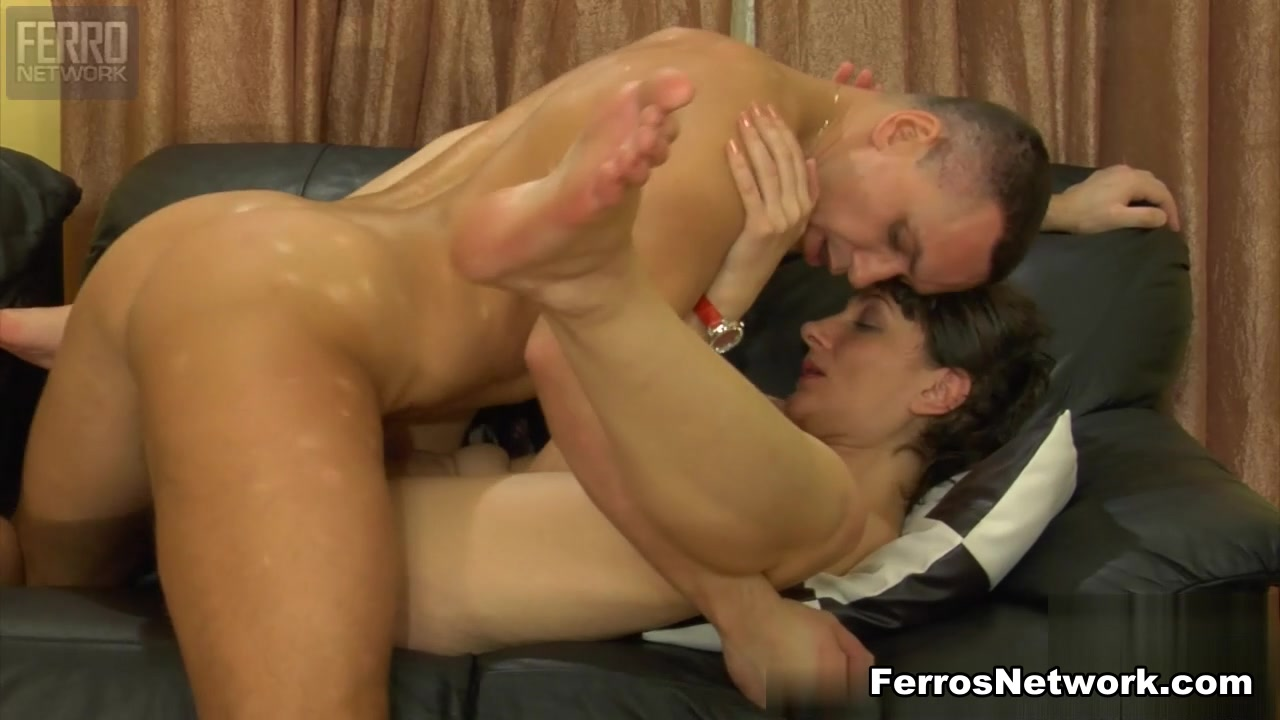 StunningMatures Clip: Linda and Connor george clooney nude pictures