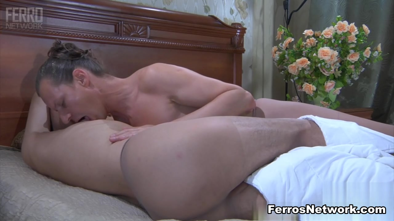 TryPantyhose Video: Horatio and Jack Nude milf on boat