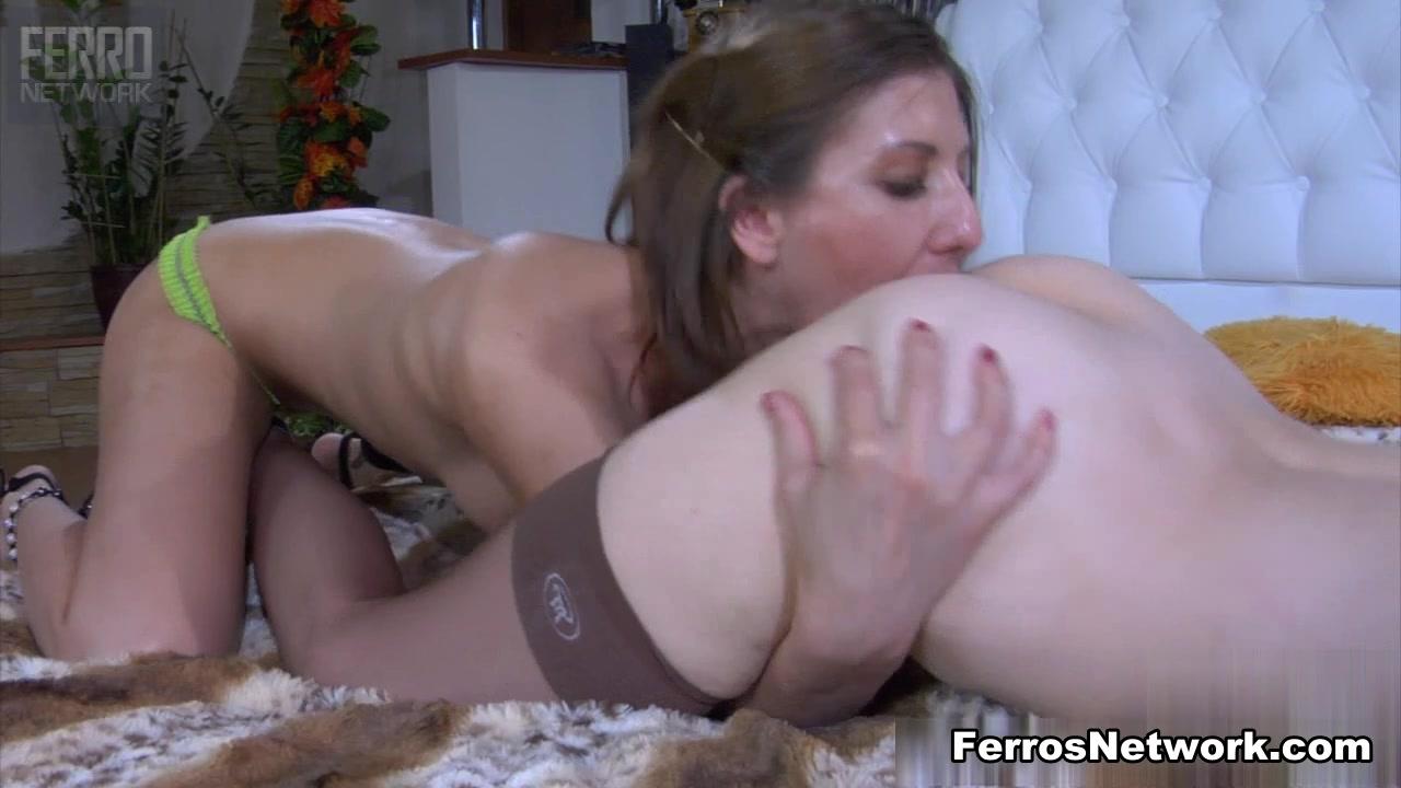 Vida naked Lesbianin porn