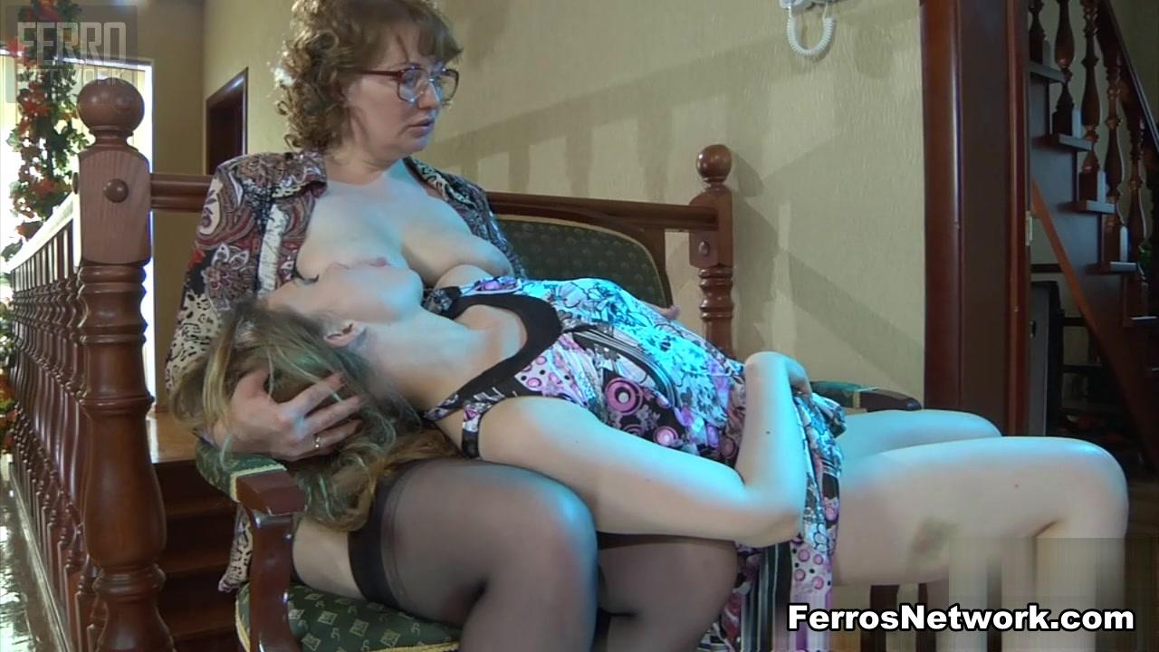 Ebony lesbo sext orgasm