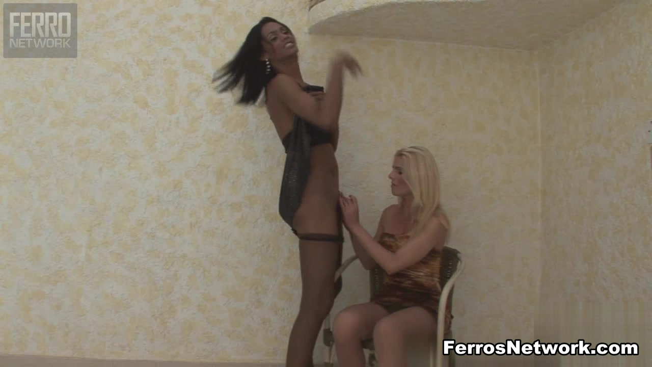 ShemalesFuckShemales Video: Kawana and Samara Dildo men