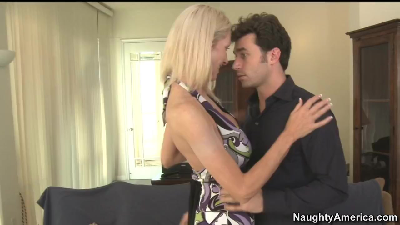 Emma Starr & James Deen in My Friends Hot Mom cute gay boys kissing and amateur cute gay boys kissing photos