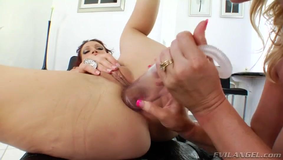 Lesbea fucker masturbatian Vibrator