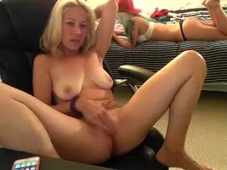 Pornos Teen masturbatian lesbos