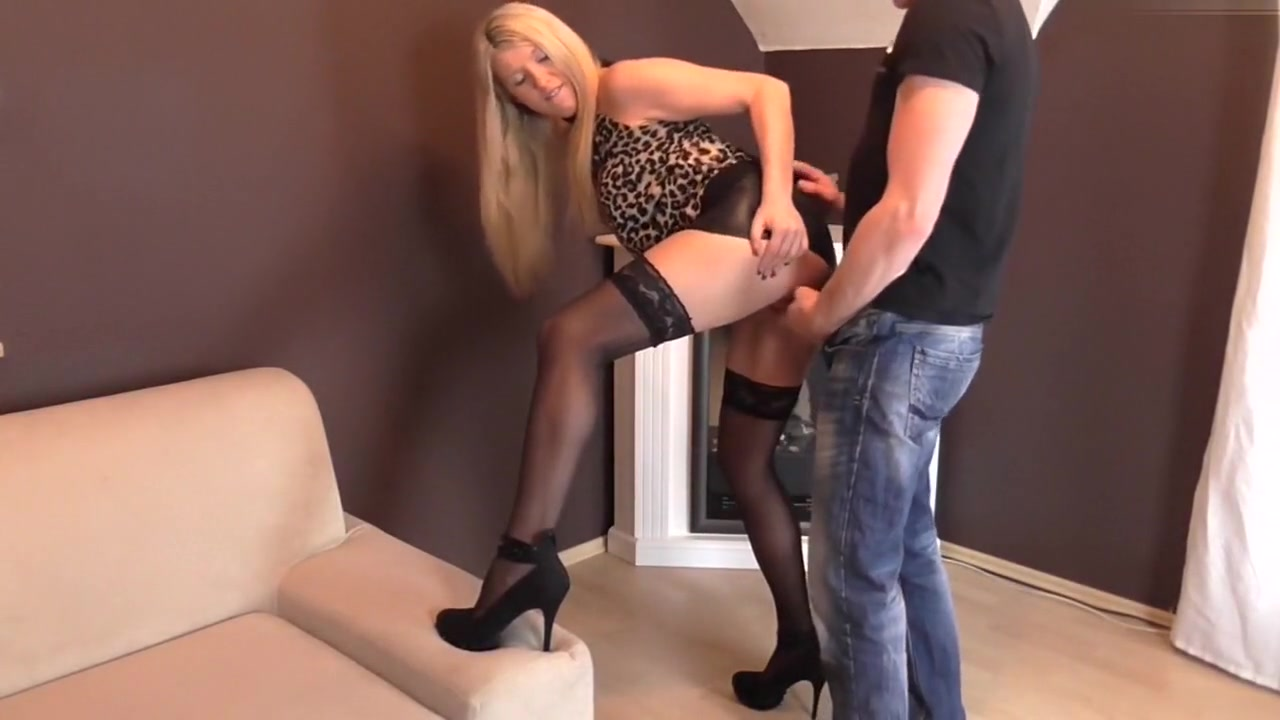 Im fucking in doggy in this homemade blonde porn video