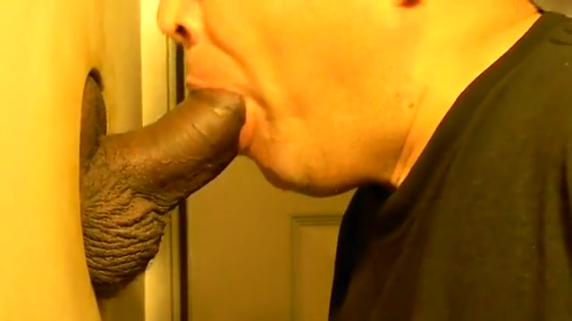 HAWT STR8 MUSCLE MILITARY CHAP WITH 7 DAY LOAD 18 and over cum lovers