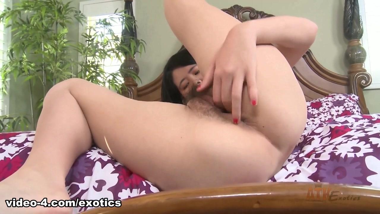 Alexandra Fox Videos Porno alexandra wu - masturbation movie / upornia