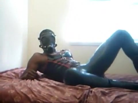 Rubber Gas Mask J-Lube J/O Are there any legit hookup apps