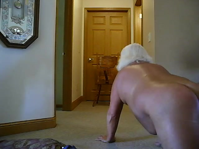 Randy fat CD at home Handjob tips for my guy