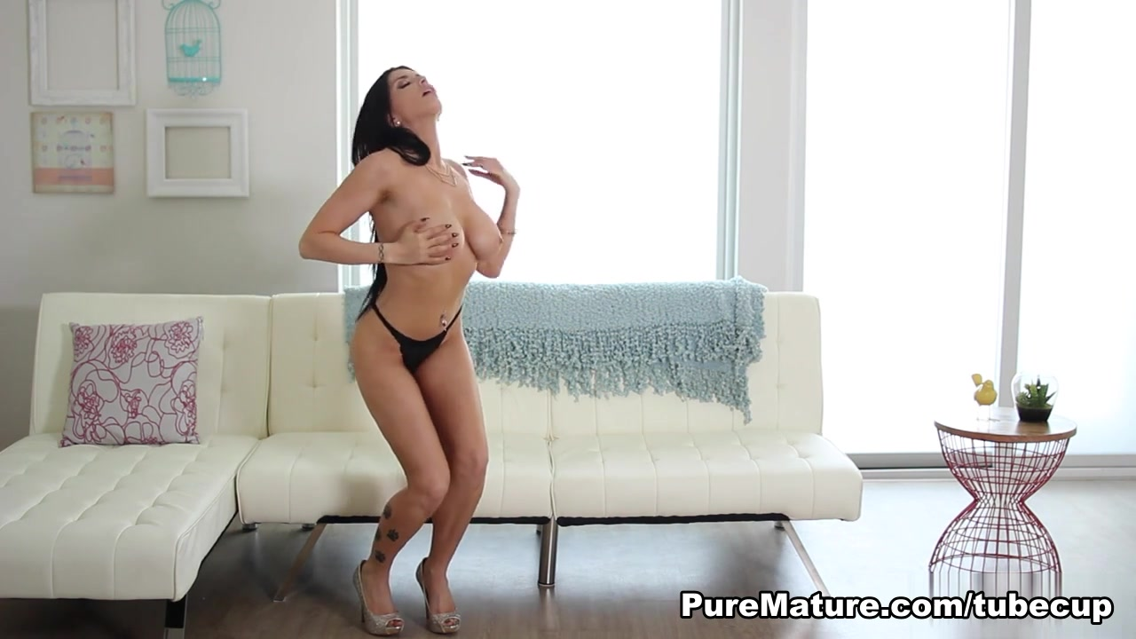 Romi Rain in Welcome Home Video Loney Sister Grind Cock