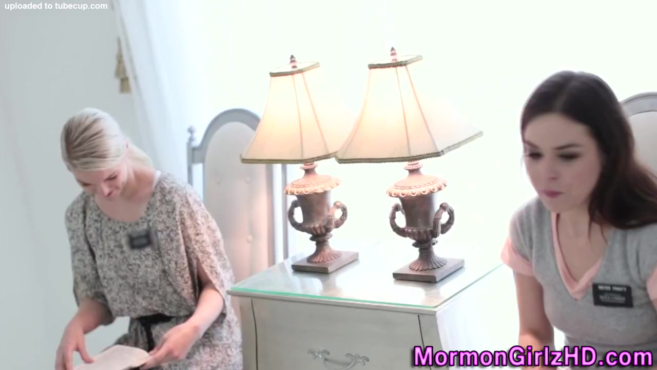 Licked Mature getting squirts while