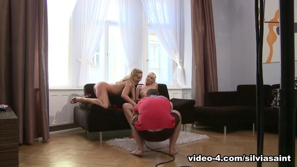 Sexy bondaged Lesbianz