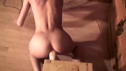 Sweet Sextoy for her Fur Pie and A-Hole nude super model pics