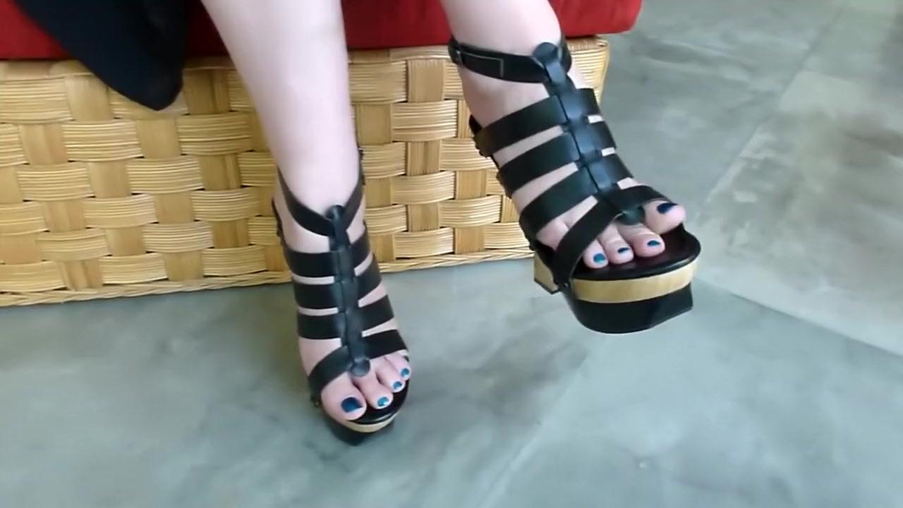 Sexy feet in Strappy Wooden Wedge Platform Heels fuck bikini or swimsuit blog sensualwriter blogspot